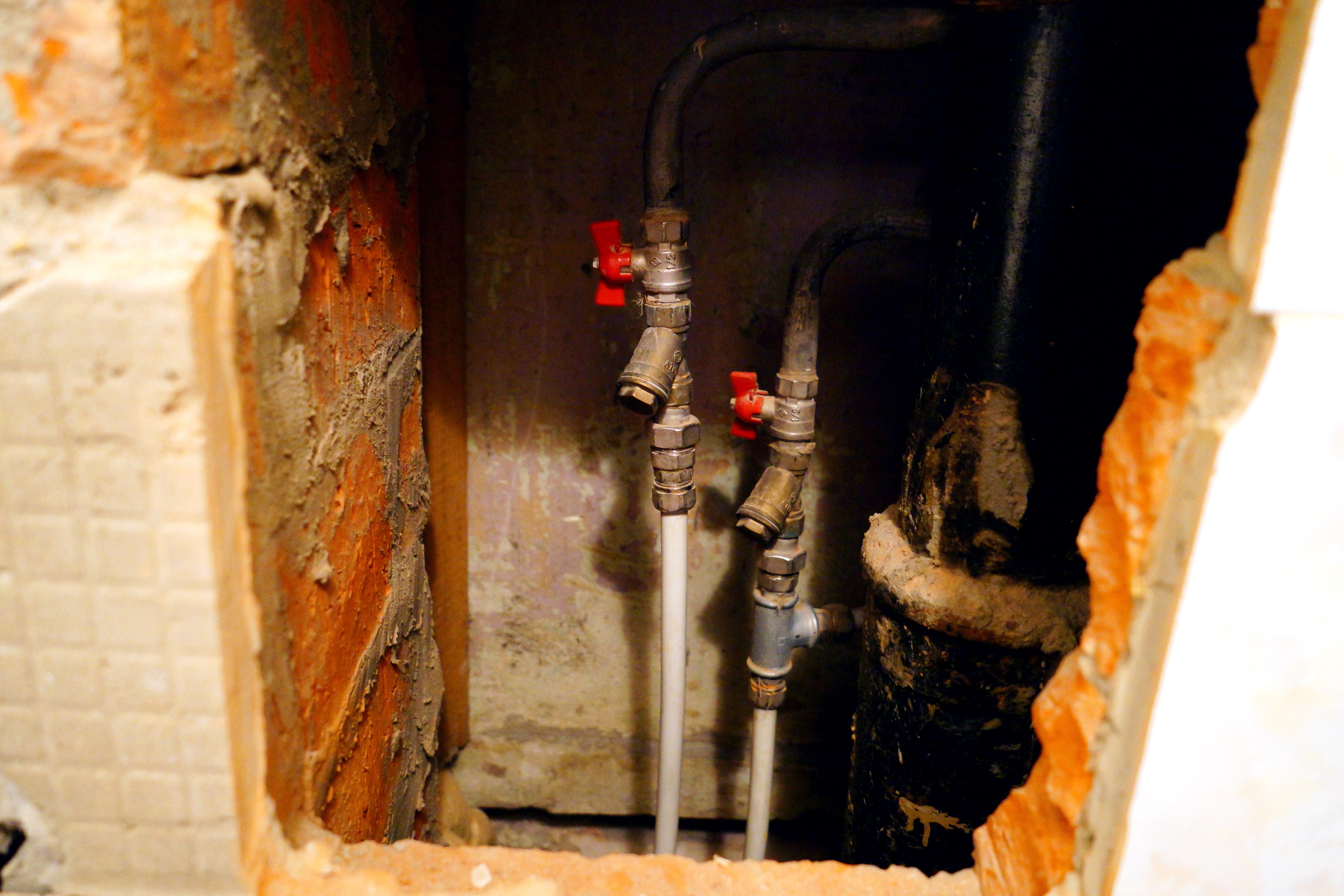 Установка приборов учета воды в квартире